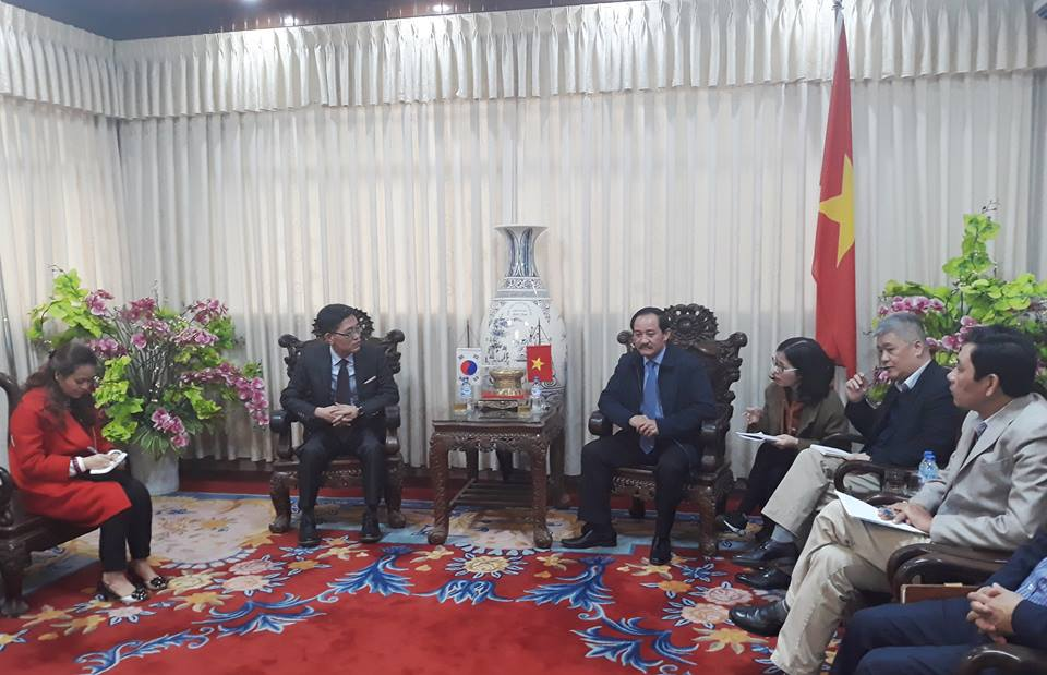 Quang Tri: Korean Investors Conduct Research to Invest in Solar Power Projects in Hai Lang and Vinh Linh