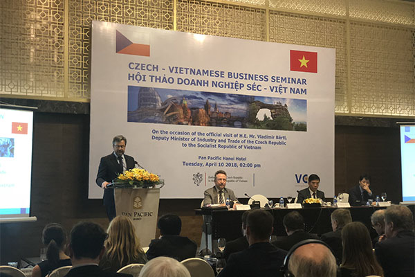 Czech Republic wants to promote investment cooperation with Vietnam