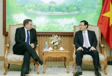 Calling on Foreign Enterprises to Invest in Vietnam